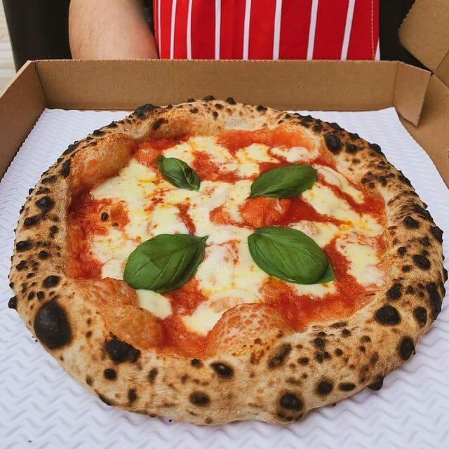 Äkta Napolitansk Pizza